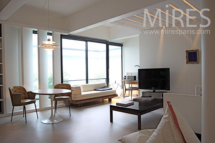 Beautiful and contemporary junior suite. c1119