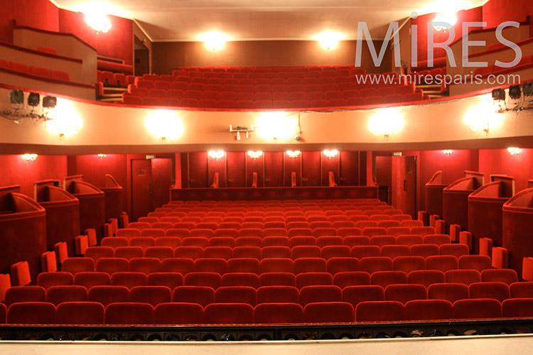 Beau théâtre parisien. C1126