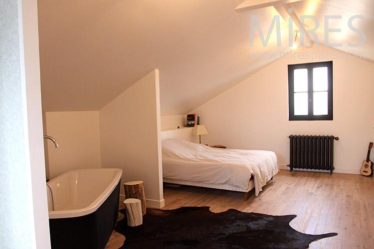 C1127 mires paris for Chambre avec baignoire