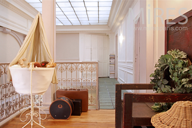 premier tage palier pris de lumi re c0015 mires paris. Black Bedroom Furniture Sets. Home Design Ideas