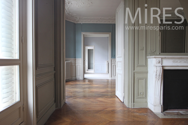 enfilade de pi ces et couloirs hausmannien c1135 mires paris. Black Bedroom Furniture Sets. Home Design Ideas