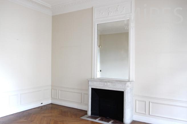 Bedroom with corner. C1155