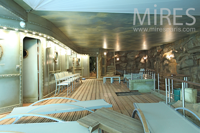 Piscine int rieure ambiance n mo c1170 mires paris for Ambiance piscine