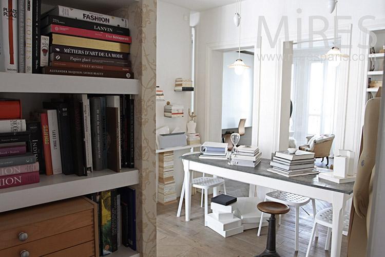 bureau de style c1182 mires paris. Black Bedroom Furniture Sets. Home Design Ideas