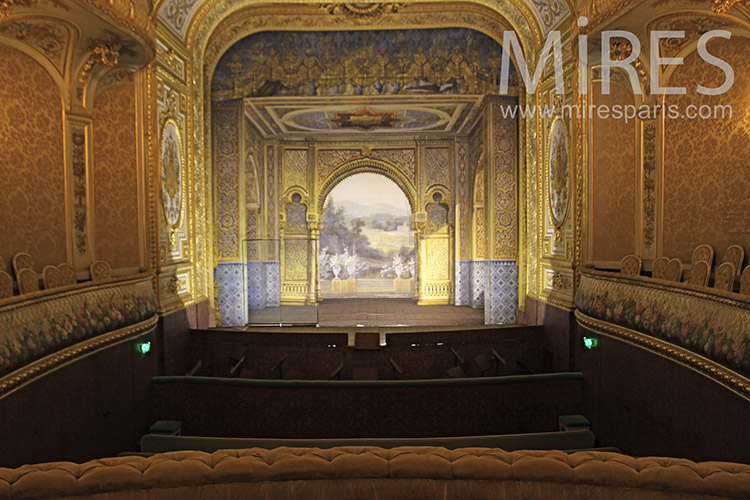 Magnificent theater. C1186
