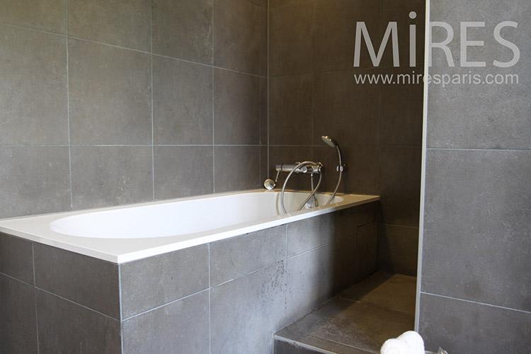 Salle de bains gris ardoise. C1187 | Mires Paris