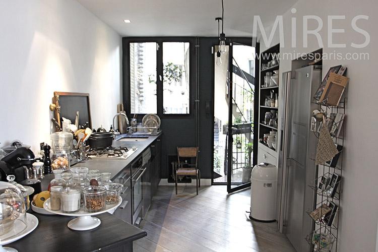 Cuisine Avec Petit Balcon C1190 Mires Paris