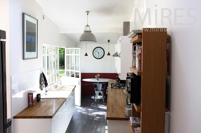 Petite cuisine en extension. C1191