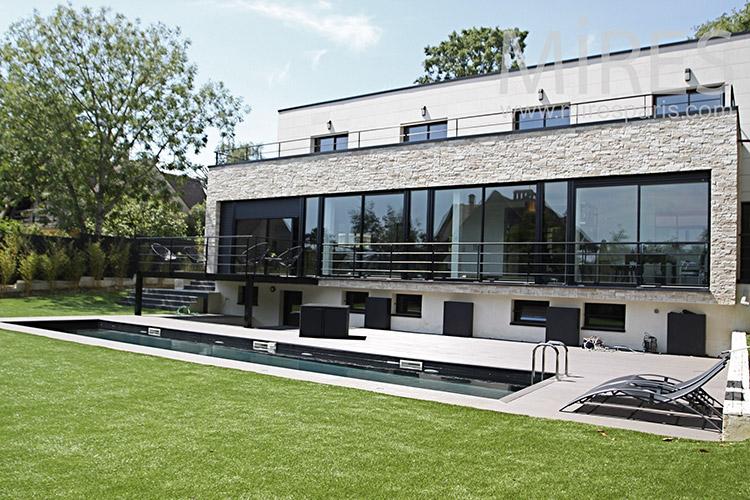 Maison et décoration moderne. C1217