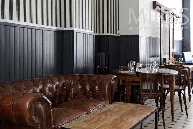 Salle de restaurant, dans son jus. C1220