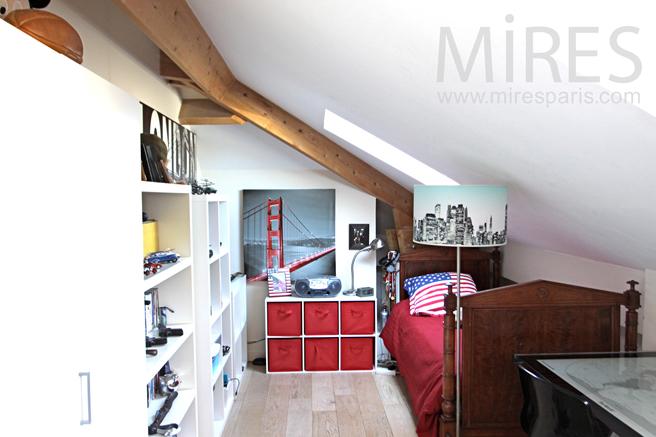 Petite chambre sous les toits. C1236
