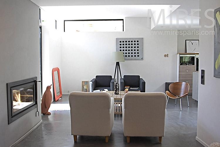 Salon et cheminée moderne. C1238