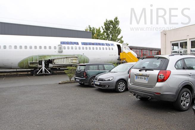 Entrée et parking pour tout type de véhicule. C1239