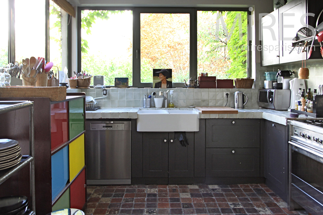 Convivial kitchen with tradition. C1246