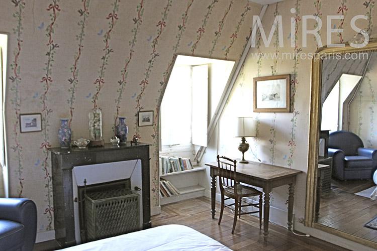 Romantic room. C1249