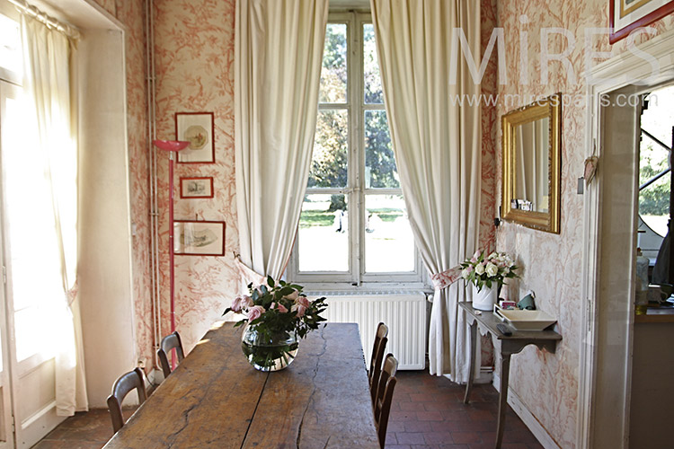 Dining room with terrace. C1249