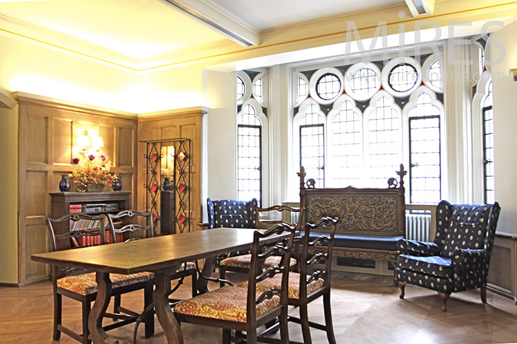 Salle manger royale c1253 mires paris for Salle a manger paris