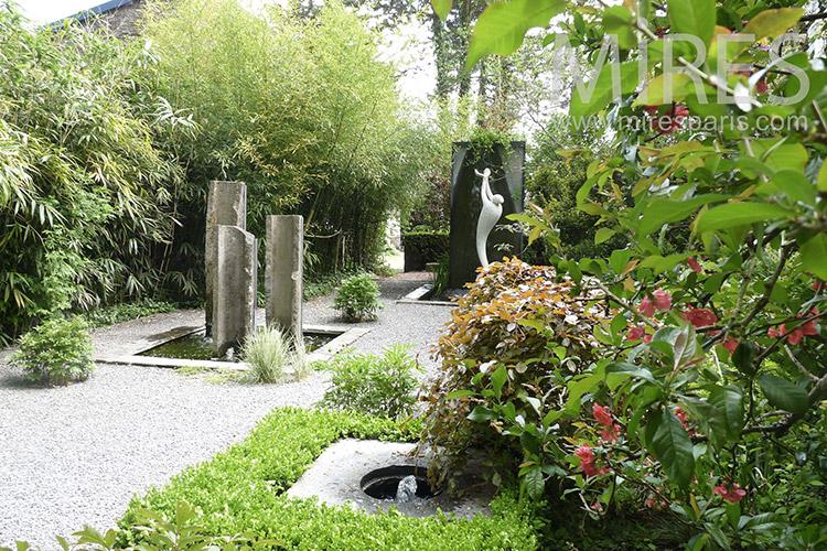 Le jardin des merveilles c1254 mires paris for Le jardin des merveilles streaming