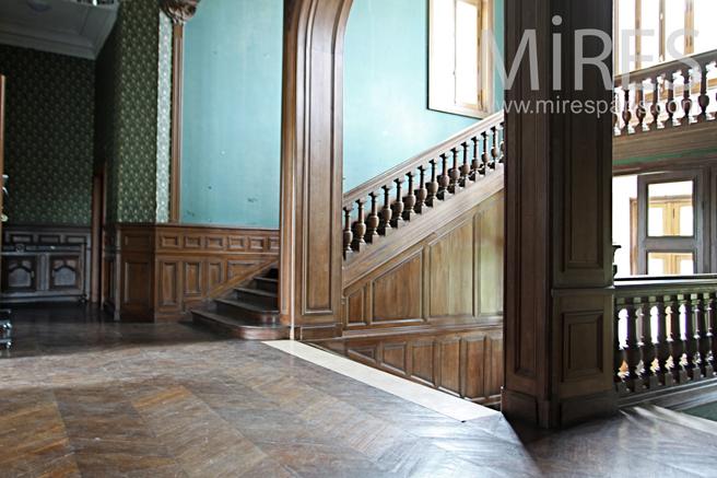 Escalier, pièce maîtresse. C1251