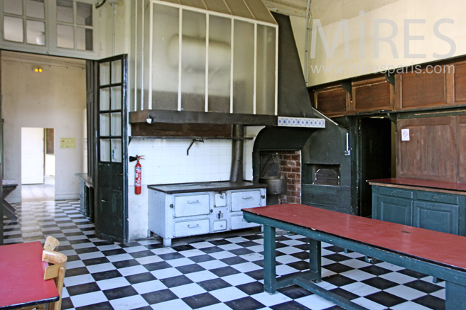 Large service kitchen. C1263