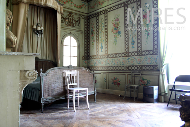 Pure castle's bedroom. C1263