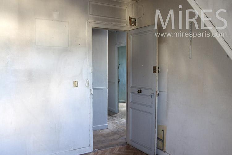 Appartement vide et partie communes. C1271
