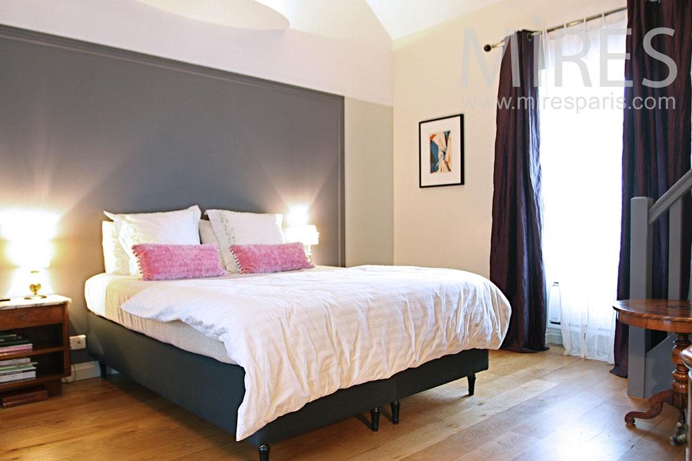 Parental suite with overlooking. C1284