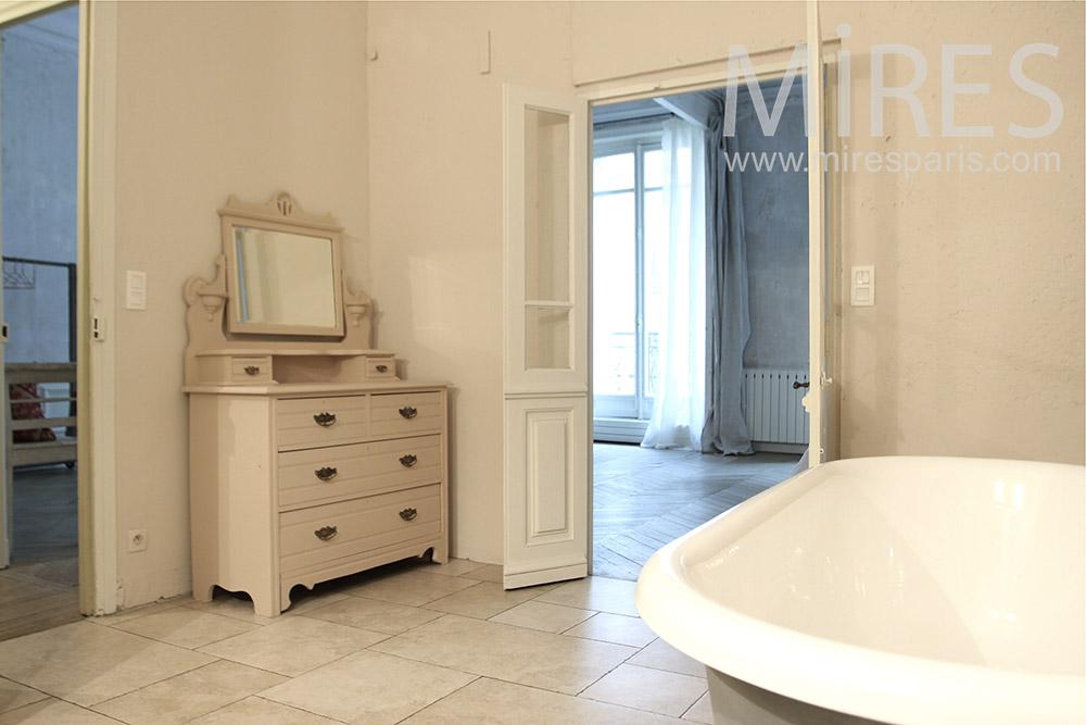 Salle de bains romantique. C0101 | Mires Paris