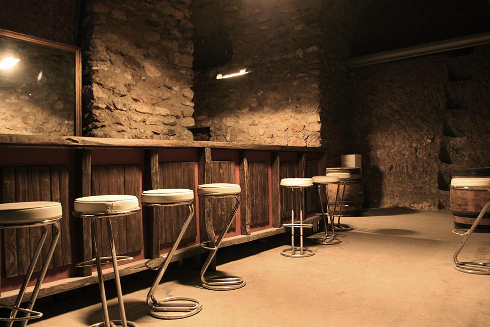 Bar underground. C1303