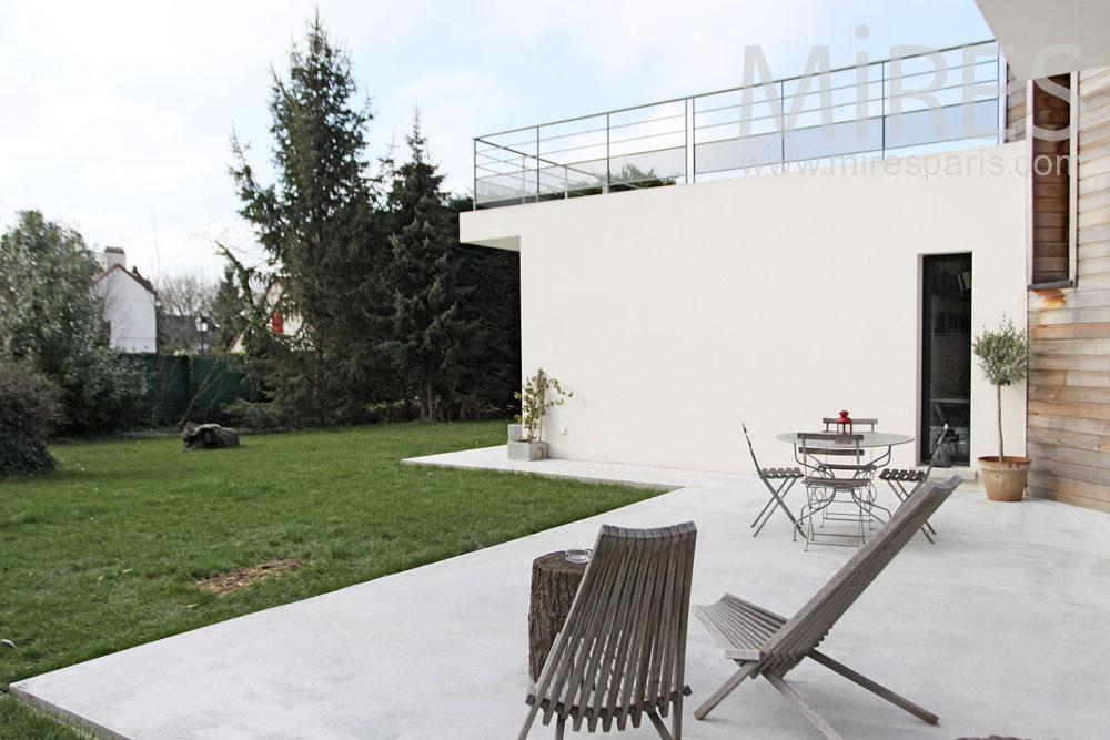 salon et terrase en rez de jardin c1306 mires paris. Black Bedroom Furniture Sets. Home Design Ideas