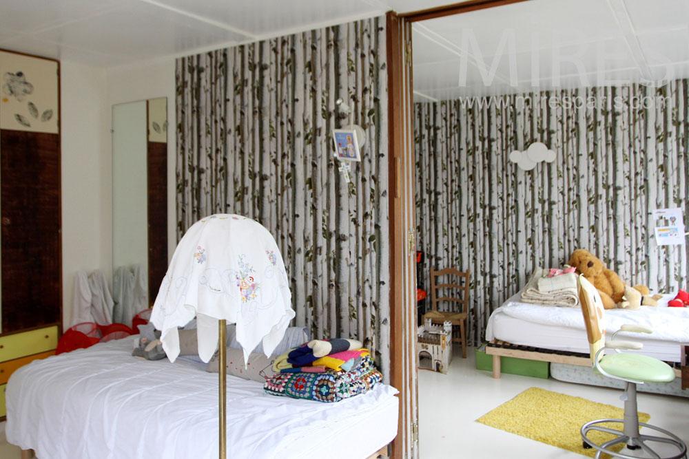 Twin bedrooms. C1309