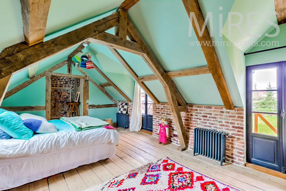 Chambre chic et colorées. C1315