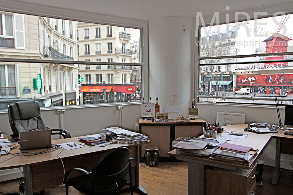 Offices in the heart of Paris. C1319