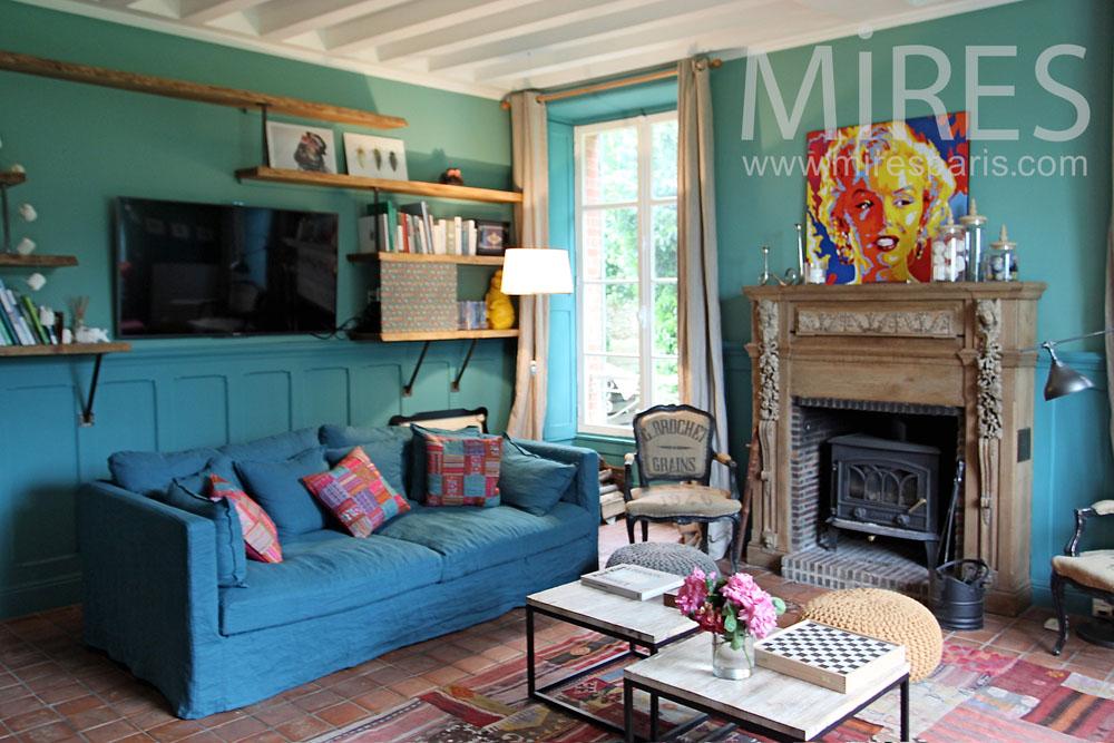 Apart relaxing lounge. C1338