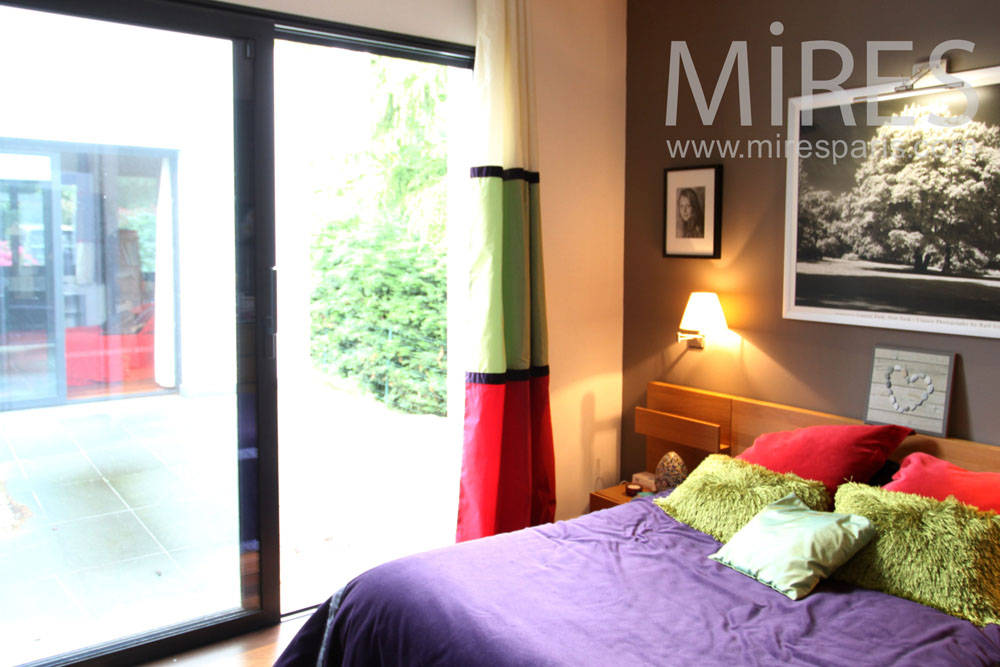 Contemporain mires paris - Chambre coloree ...