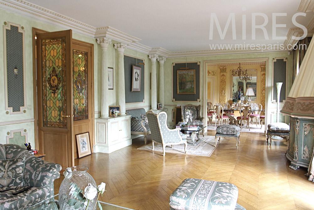 Very classic apartment . C1351