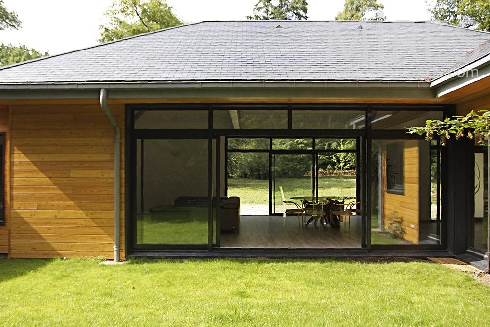 Maison de bois ouverte. C1352