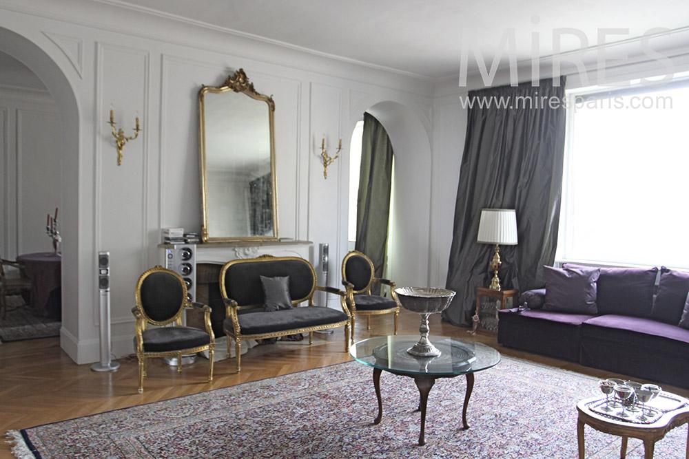 Classic and original apartment. C1353