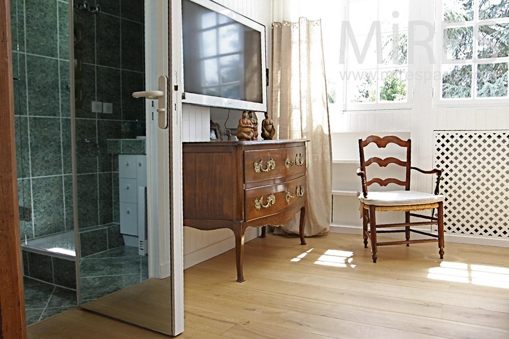 Chambre avec douche. C1355