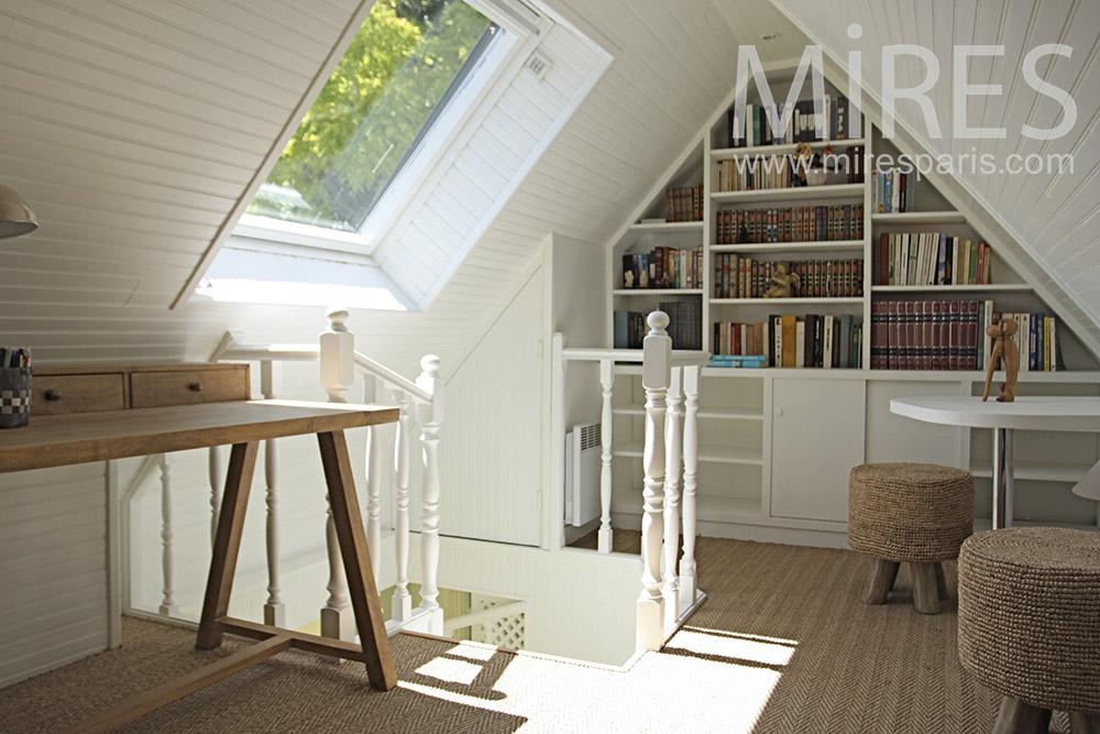 le bonheur est sous le toit c1355 mires paris. Black Bedroom Furniture Sets. Home Design Ideas