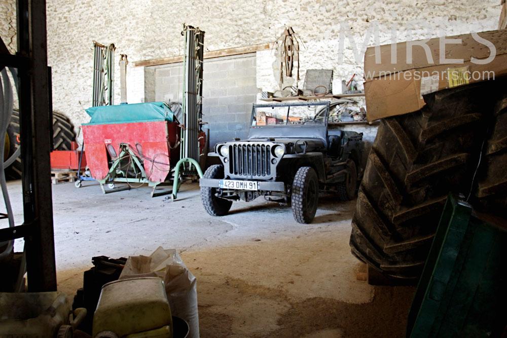 Garage pour la Willys. C1357
