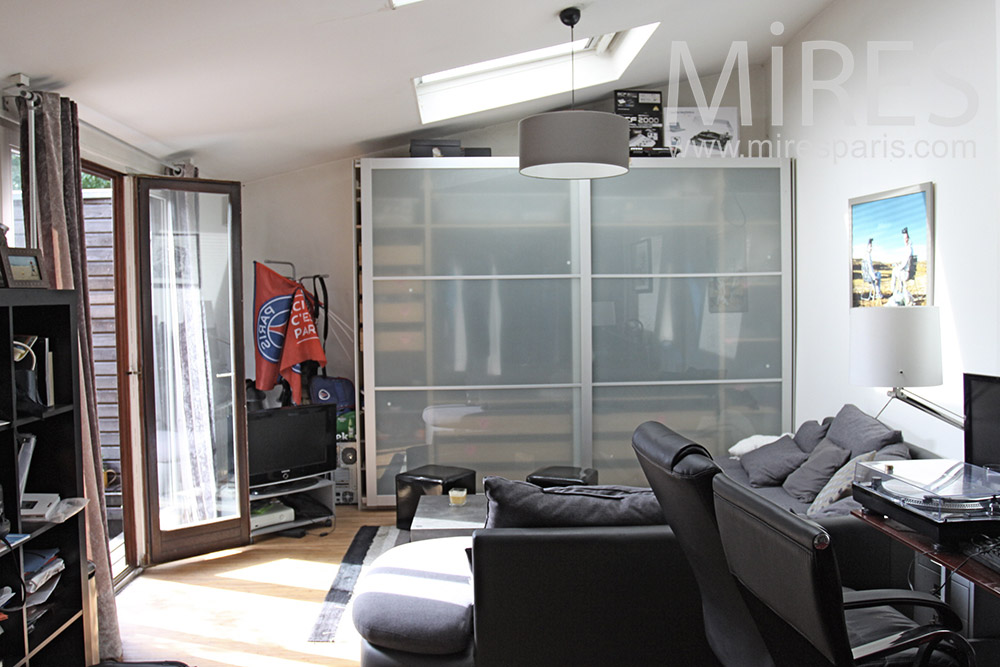 Chambre et baie vitrée. C1365