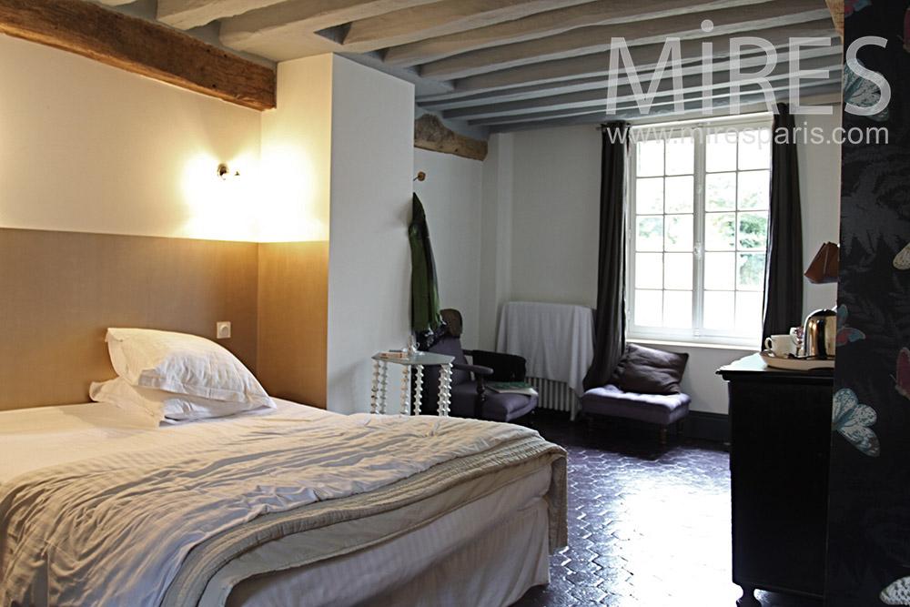 Rustic room. c1372
