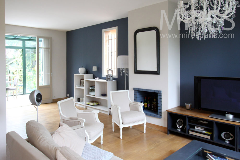 Grand salon avec cheminée. C1362