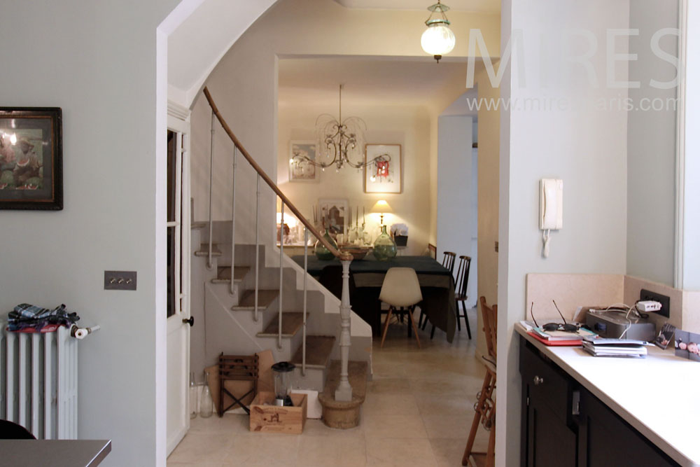 Passages et escalier. C1378
