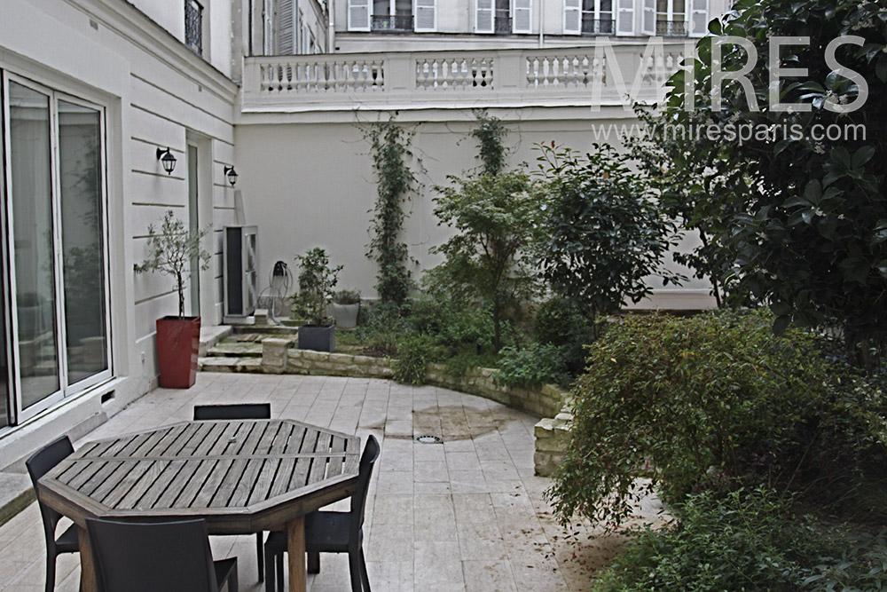Appartement classique en rez de chauss e c1387 mires paris - Rez de chaussee paris ...