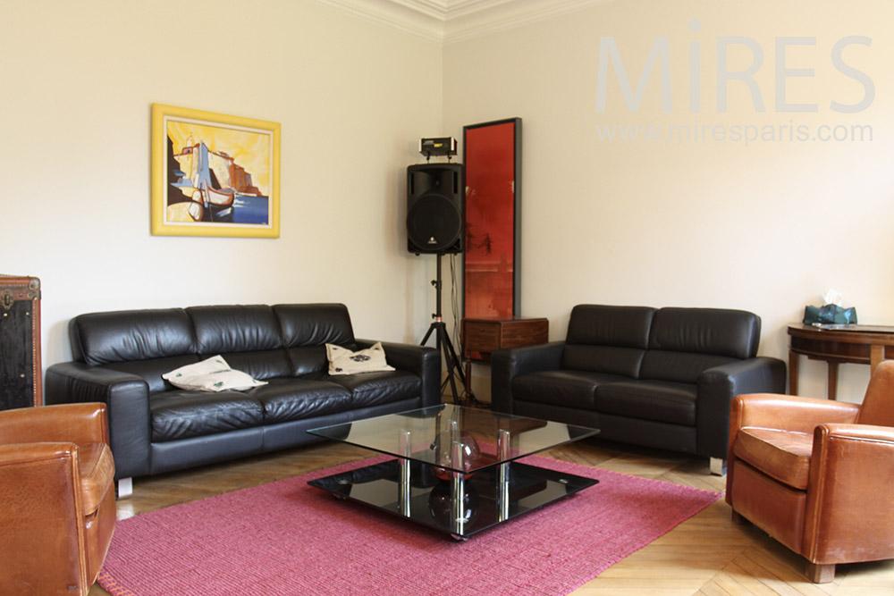 Salon De Cuir Sur Tapis Rouge C1395 Mires Paris