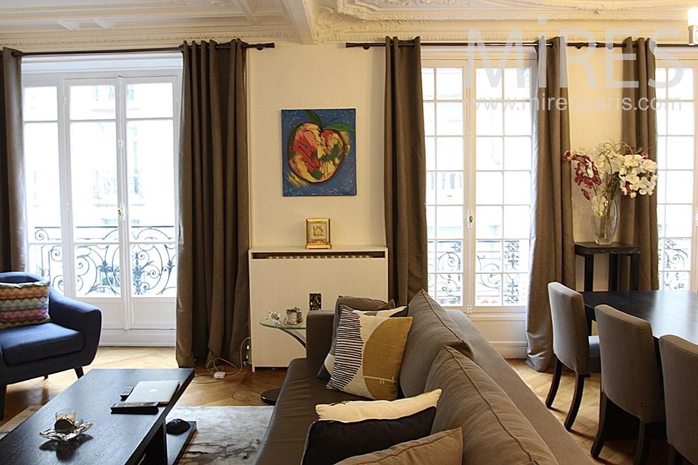 Cozy lounge. C1412