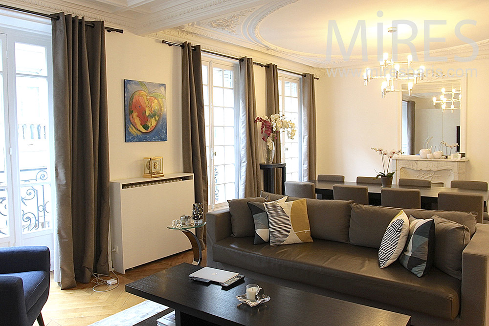 Apartment with double lounge. C1412