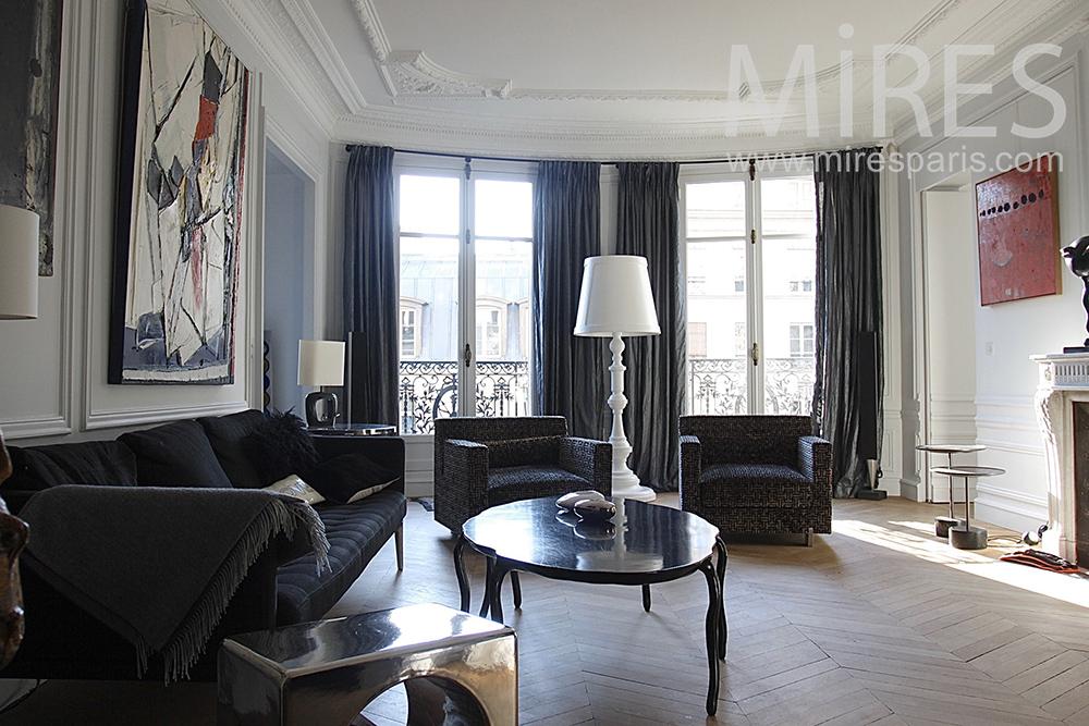 Appartement parisien en blanc et noir. C0033